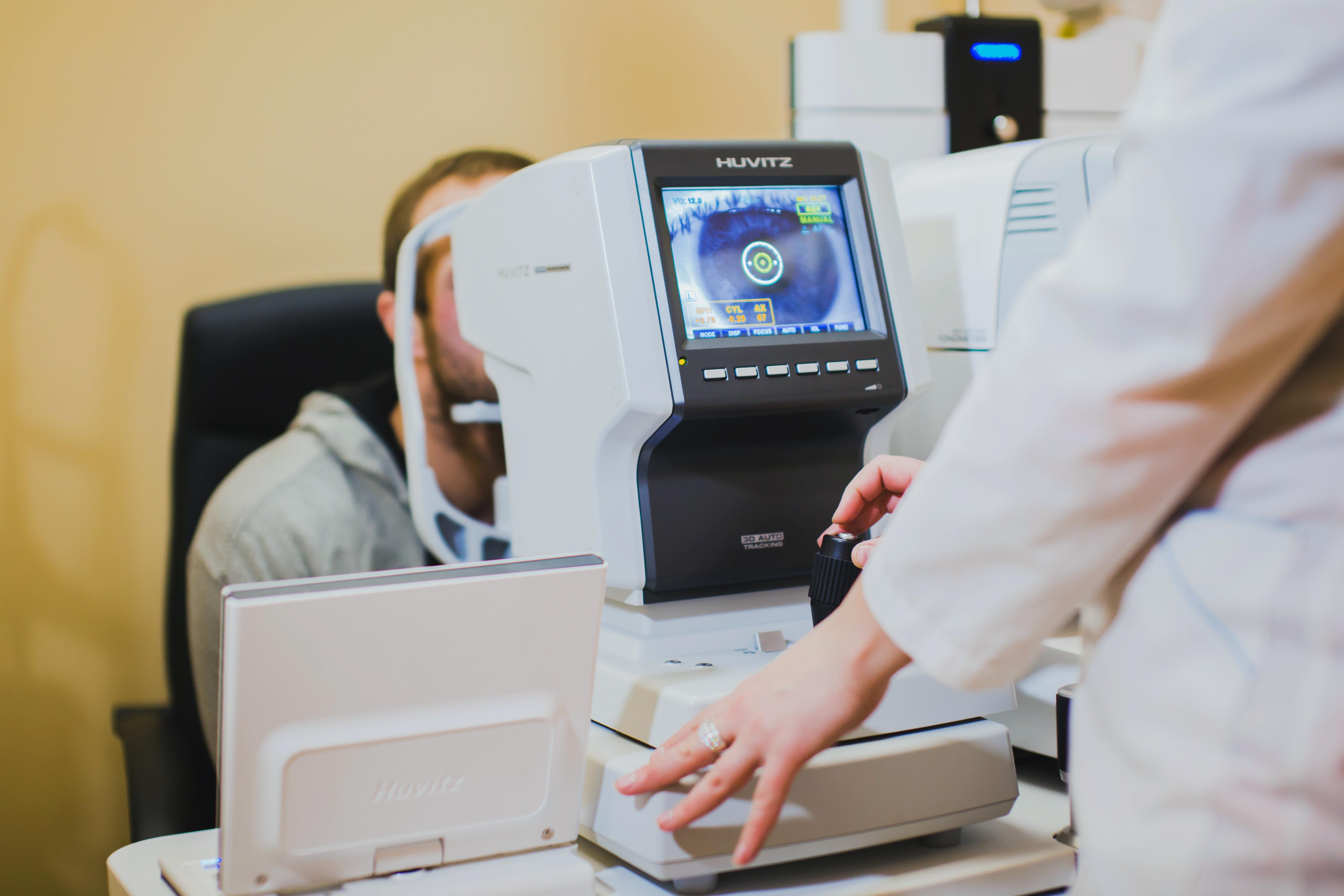 Клиника гельмгольца лазерная коррекция зрения цена